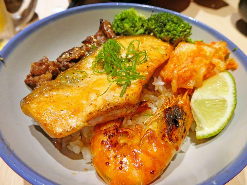 鮭魚豚王丼